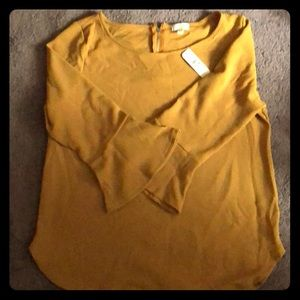 NWT Charming Charlie's quarter belle sleeve blouse